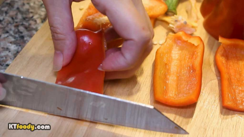 Shaking Beef - dicing bell pepper